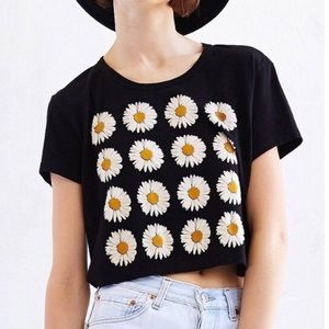 Urban Outfitters daisy crop top 🌼